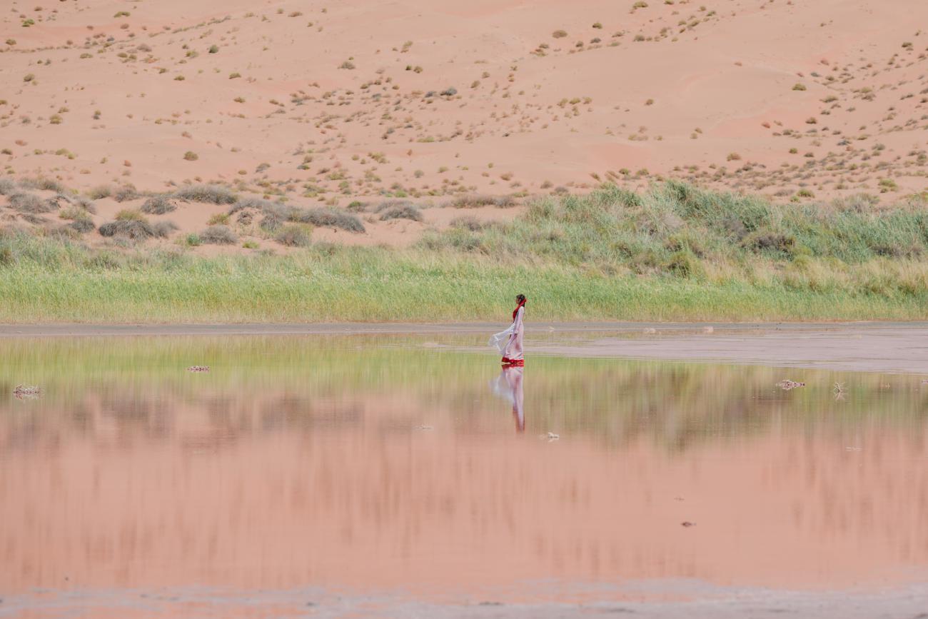 【逃离地球.火星计划】•沙漠探险家 巴丹吉林沙漠+沙漠越野+红海子+沙漠公路+冰沟河6日5晚落地小包团