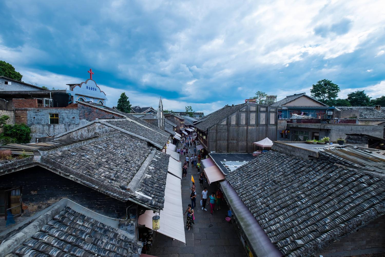 青岩古镇出游,品尝贵州美食