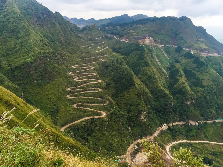 贵州最美自驾游公路之一,晴隆二十四道拐