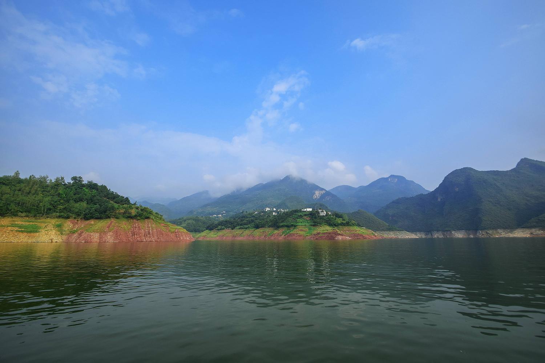 重庆自驾游十大绝佳小众景点,丰都鬼城,宝顶山,神龙峡,人民大礼堂