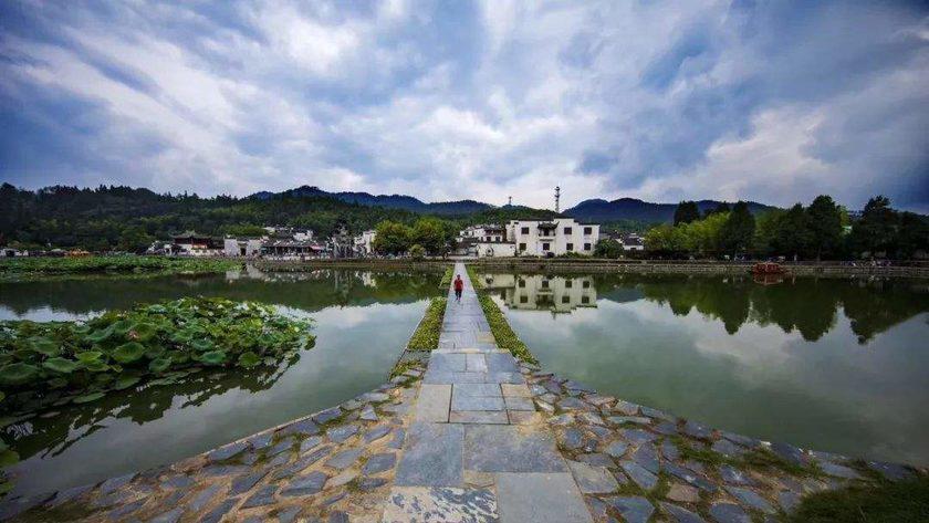 黄山太平湖畔的小风景