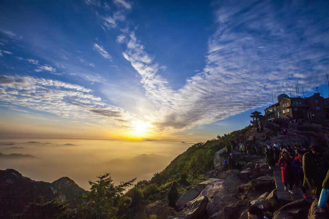 泰山之巅,遇见意料之外的风景