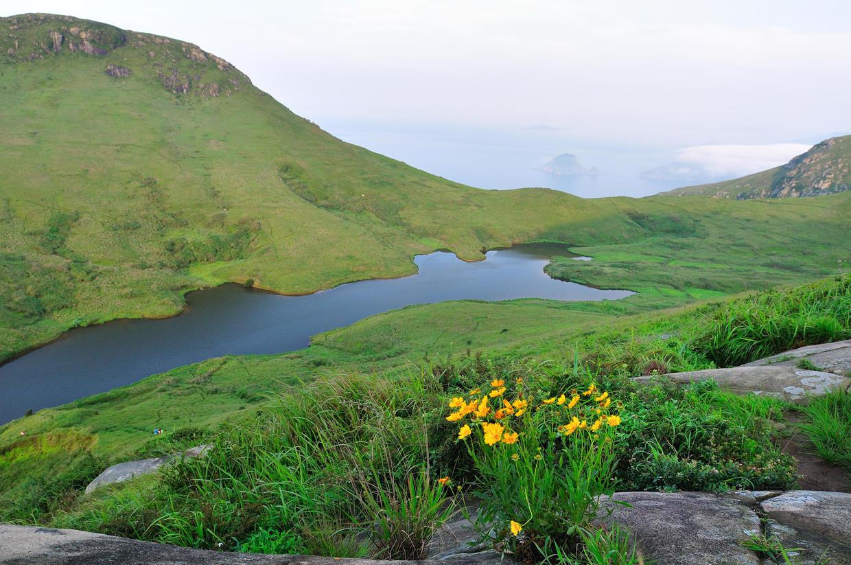 大嵛山岛旅游,一半大海,一半草原